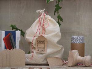 חותמת עץ בהתאמה אישית   חותמת למטבח   חותמת למתנות מהמטבח   מתנה לחובבי בישול   מתנה לראש השנה   מתנה לחג   מתנה לפסח   מתנה למארחת   סטודיו נעמה מגשימת מתנות   shop.naamasimanim.co.il